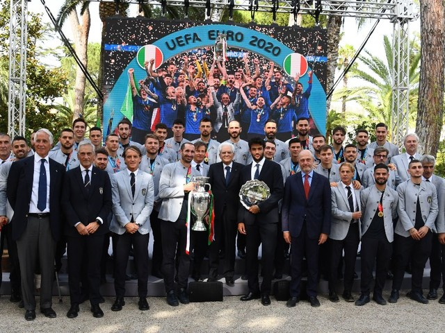 """Italia campione d'Europa, Mattarella riceve gli azzurri al Quirinale: """"Fuori casa e sotto di un gol, avete meritato ben oltre il punteggio"""""""