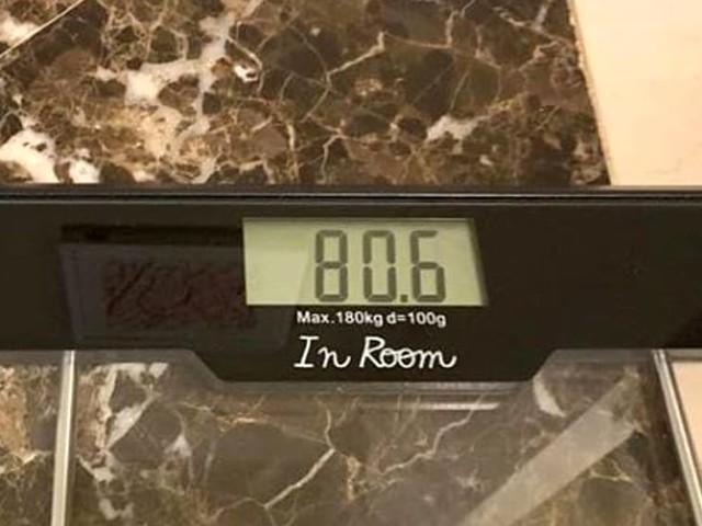 """Matteo Renzi perde 10 chili e festeggia su Instagram: """"Con un po' di carboidrati"""""""