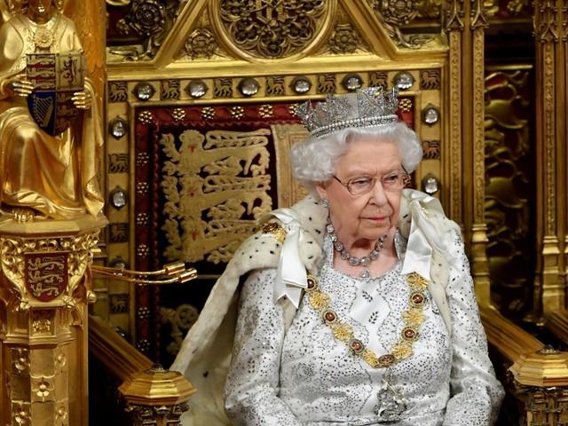 La regina Elisabetta e il rapporto gelido con Camilla Shand