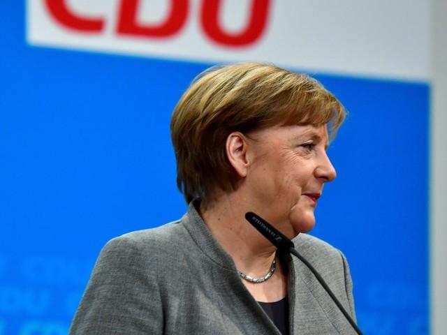 """""""Ora la strada è libera"""". Esultano tutti, da Merkel a juncker. Ma più fuori che dentro l'Spd"""