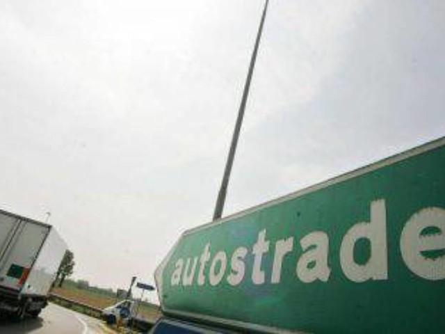 Meteo e traffico in autostrada: incidente sulla A1 Bologna-Roma