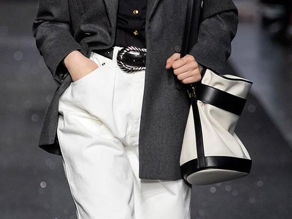 Tendenze moda donna 2020. Tendenze pantaloni autunno inverno 2019 2020. In e Out