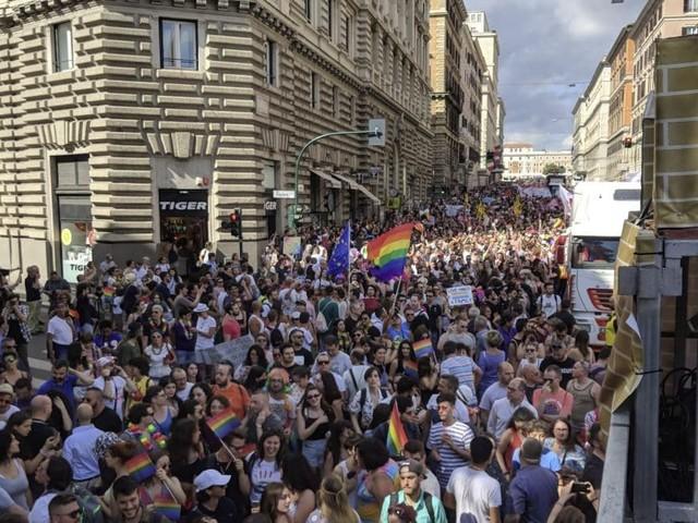 Gay Pride a Roma, strade chiuse e bus deviati: tutte le informazioni