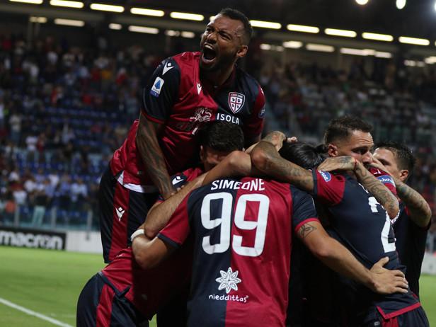 Pazzo finale, festa Cagliari: Genoa battuto 3-1