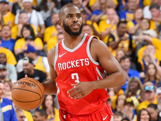 Chris Paul sta giocando nonostante un infortunio?