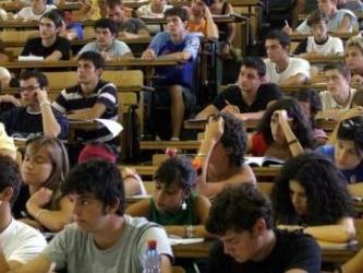 Umbria, la regione taglia le borse di studio di 1 milione e 200 mila euro