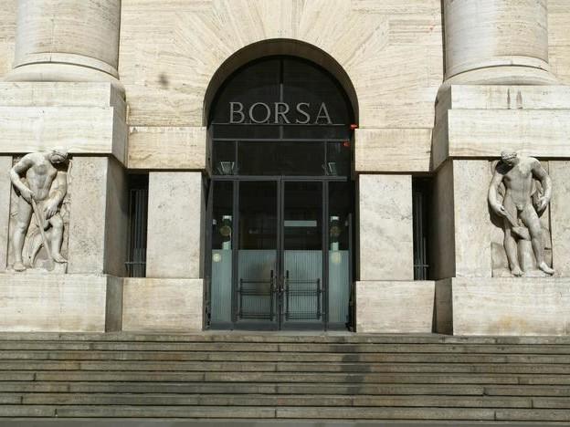 Borsa Milano chiude in rialzo, +0,61%