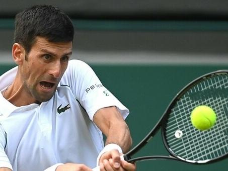 Wimbledon, sarà Djokovic l'avversario di Berrettini in finale. Battuto in 3 set Shapovalov