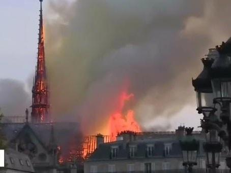 Il Tg1 polemizza con Macron, sostenendo avrebbe dovuto gettare bombe da 6 tonnellate contro Notre Dame
