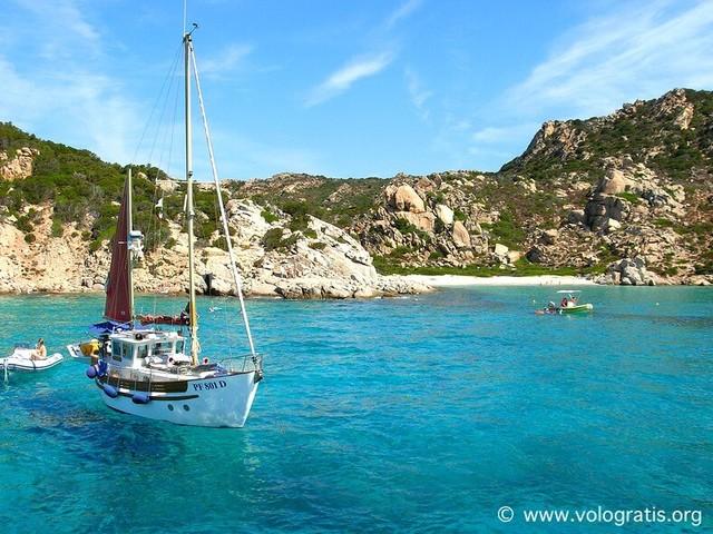 Traghetti per la Sardegna scontati del 30% con Grimaldi Lines