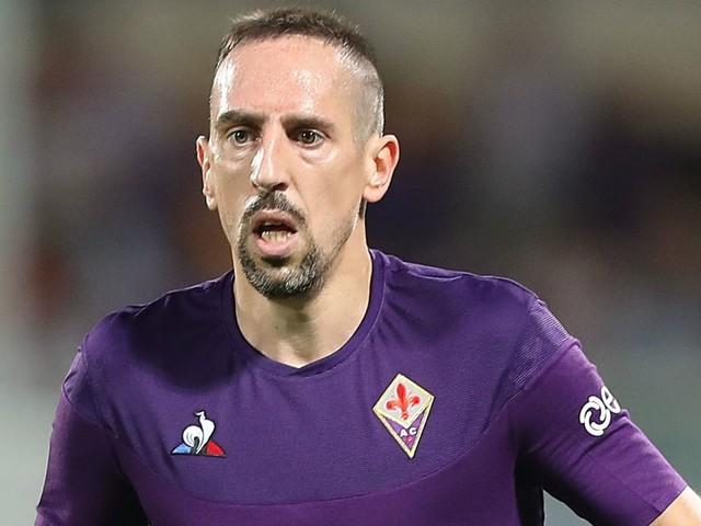 """Franck Ribery non si riconosce su FIFA 20: """"EA, chi è questo tizio?"""", e PES 2020 risponde"""