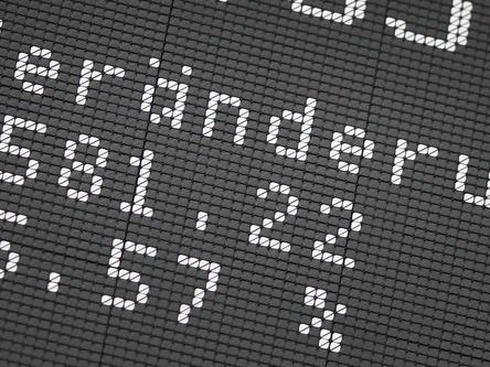 Borsa: Europa apre debole, Parigi -0,46%