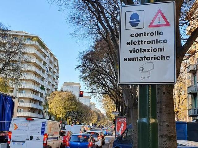 T-Red a Torino, una strage: dopo 36 ore già 1000 multe