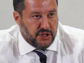 """Salvini: """"Di Maio ministro vinavil. E Renzi per me è il nulla"""""""