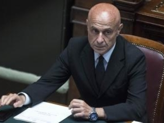 «Basta pessimismo, destino Italia passa da Calabria» Il Ministro Minniti a Rende rilancia il ruolo del Sud