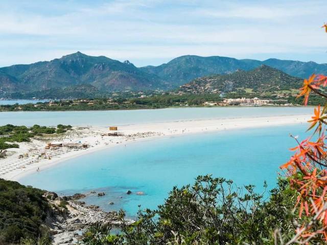 Perché è il momento di prenotare una vacanza in Sardegna