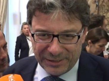"""Governo, Giorgetti: """"Avvertimento di Conte alla Lega? Se la vedrà con Salvini, normalmente i voti contano"""""""