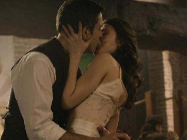 Una Vita anticipazioni: Telmo e Lucia si baciano, l'Alday fa tornare Guillermo
