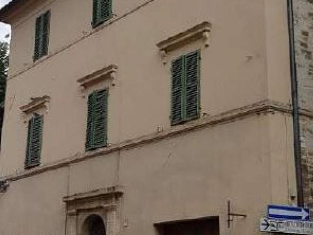 San Severino, post-sisma: tornano di nuovo agibili due abitazioni nel centro storico