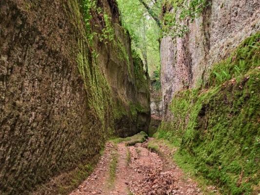 Vie Cave, a piedi da Pitigliano a Sovana