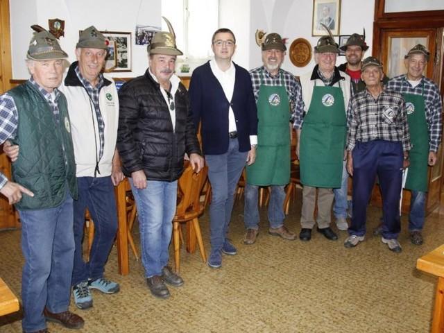 Mori: il governatore Fugatti ringrazia i volontari della «Ganzega d'autunno»