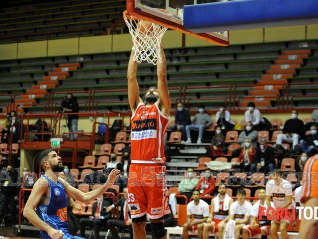 """Basket, l'Unieuro impegnata a Latina. Coach Dell'Agnello: """"Napoli fa parte del passato"""""""