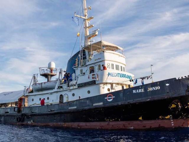 """Viminale, Mare Jonio sequestrata: violazione Sicurezza bis, multa da 300mila euro. Ong: """"Ultima vendetta"""""""