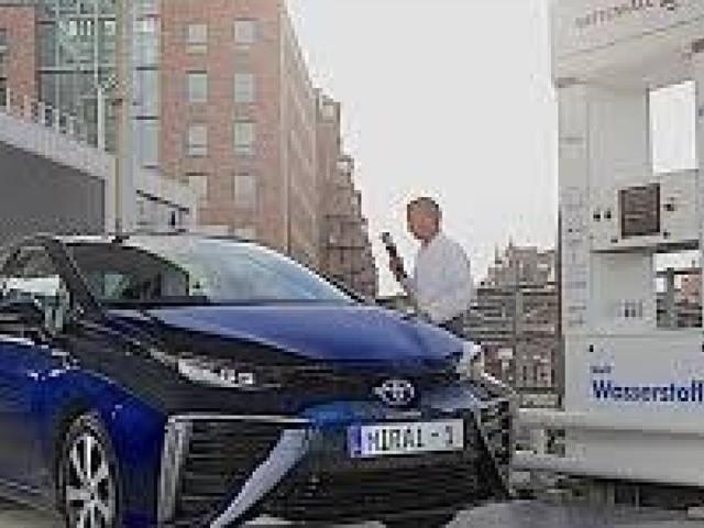 Toyota studia l'auto a idrogeno. A Pechino
