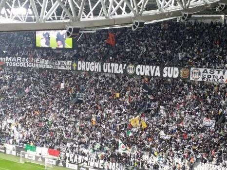 Violenze, estorsioni e ricatti alla società: arrestati 12 capi ultrà della Juventus
