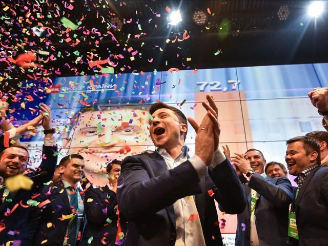 Elezioni Ucraina, exit poll: vince il comico Zelensky, Poroshenko ammette la sconfitta