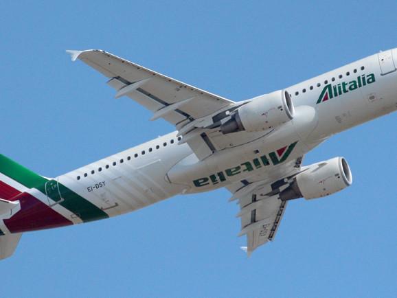 """Alitalia, Calenda: """"sarà un negoziato duro"""""""