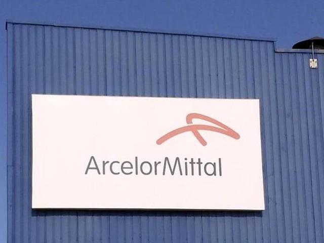 Ex Ilva, i commissari straordinari e la procura di Milano provano a fermare ArcelorMittal