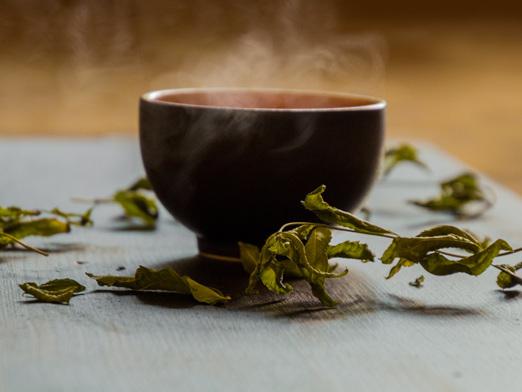 Tè verde: benefici, preparazione e quantità consigliate