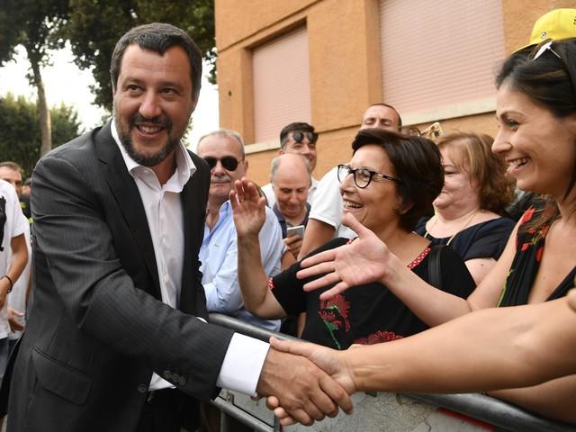 """Salvini: """"Ora una rivoluzione fiscale come con l'immigrazione"""""""