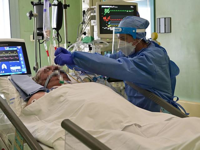 In Italia calo di contagi e di ingressi in terapia intensiva per Covid
