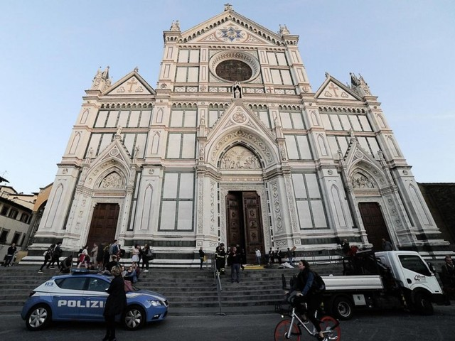 Firenze, morto un turista: l'ultimo controllo a Santa Croce una settimana fa