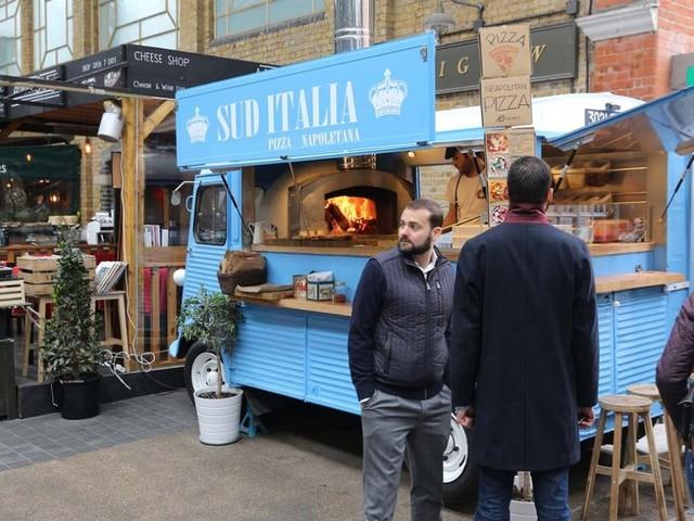 A Londra, i luoghi in disuso sono valorizzati dal cibo italiano in maniera straordinaria