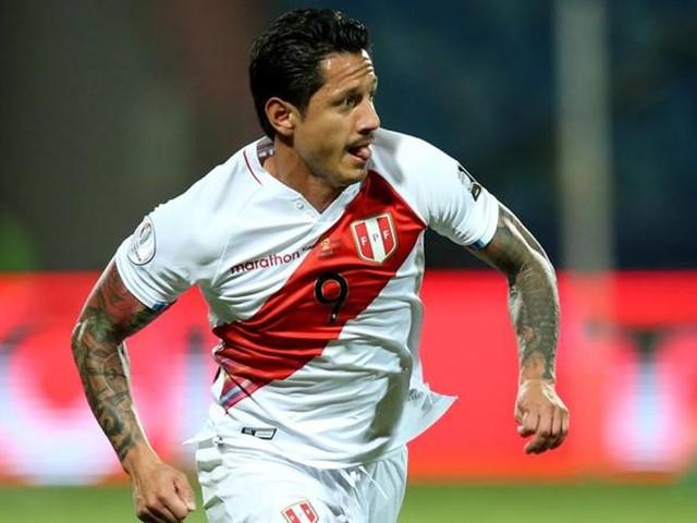 Lapadula, gol e assist contro l'Ecuador. E il Perù impazzisce per lui
