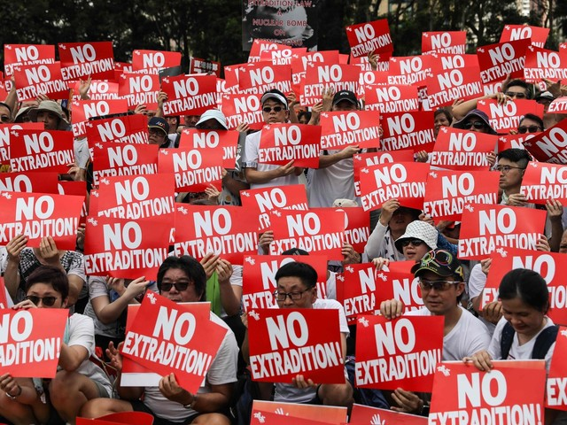 Hong Kong, oltre 5mila i manifestanti in aeroporto