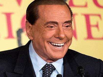 Sondaggio Tecnè, la zampata di Silvio Berlusconi: sale Forza Italia, cosa significa per Matteo Salvini