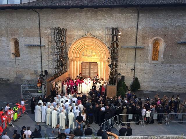 Perdonanza Celestiniana, domani all'Aquila Gianni Morandi, Giancarlo Giannini e molti altri
