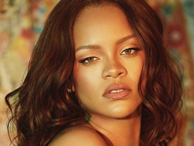 Rihanna annuncia il lancio della sua biografia illustrata con oltre 1000 fotografie