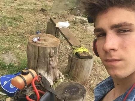 Brescia, incastrato nel tornio, operaio di 19 anni muore davanti al padre