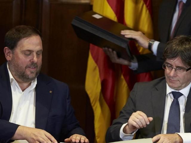 Ultimatum scaduto, la Spagna vuole sospendere l'indipendenza della Catalogna