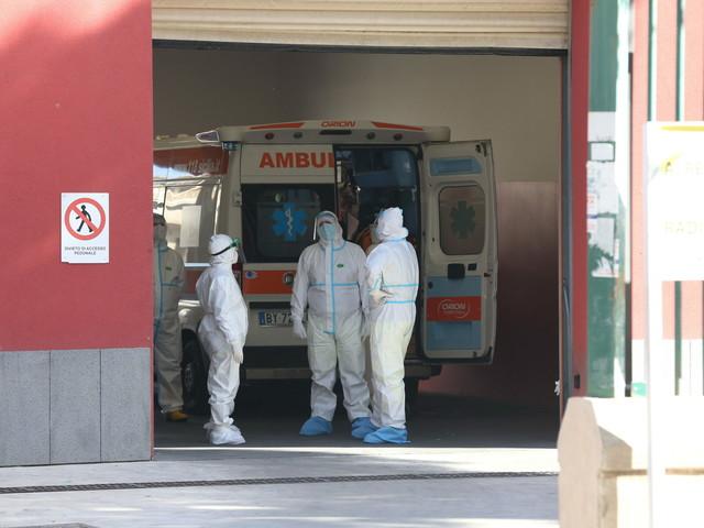 Nursind: a ospedale Pistoia pazienti in barella 40 ore