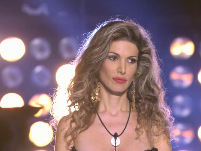 """Maria Monsè, bufera per la festa della cresima della figlia Perla Maria: """"Vergognoso!"""""""