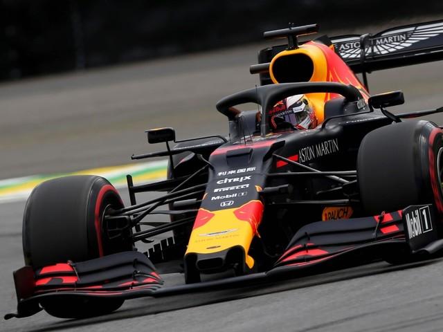 F.1, GP Brasile - Vince Verstappen. Incidente tra le due Ferrari