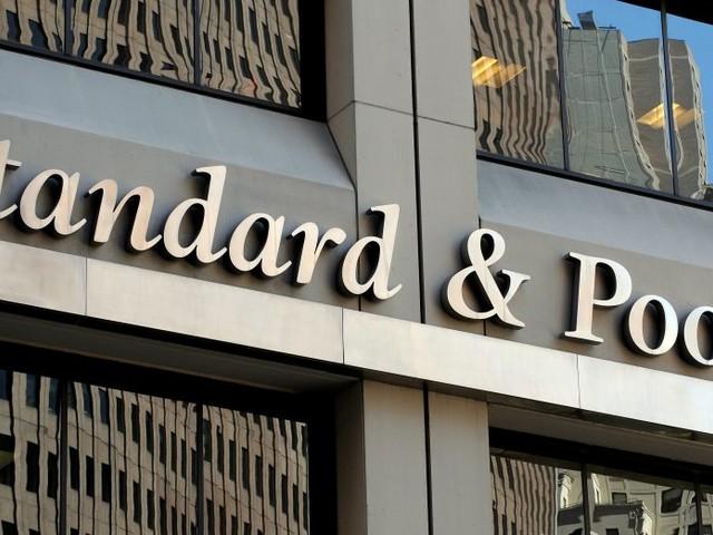 """S&P lancia l'allarme Italia: """"Rischia la fine della Grecia"""""""