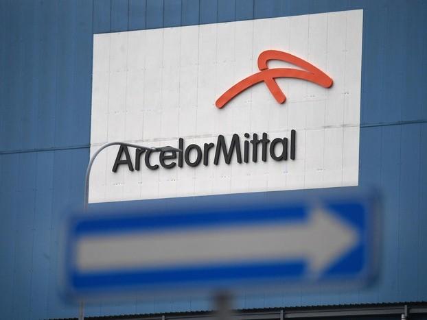 A.Mittal: Usb, cade pezzo carroponte, nessun ferito