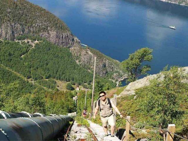 In Norvegia, la scalinata di legno più lunga e spettacolare del mondo